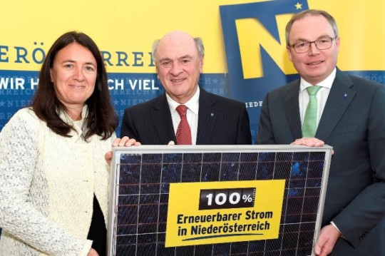 Monika Langthaler, Landeshauptmann Dr. Erwin Pröll und Landesrat Dr. Stephan Pernkopf (v. l. n. r.).